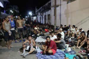 caravana-migrante-descansa-y-sana-heridas-en-un-municipio-del-sur-de-mexico