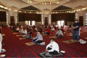 لجنة-الأوبئة-توضح-حول-السماح-بالتقارب-في-المساجد