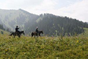 Кто-получает-самую-низкую-зарплату-в-Казахстане